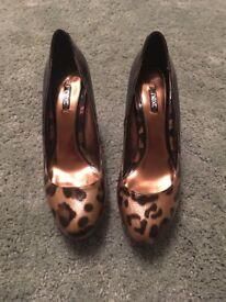 Woman's size 8 leopard print heels
