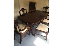 "5"" Extendable Dining Room Table & 6 Chairs"