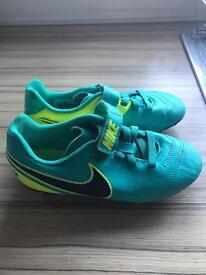 Nike tiempo football boots (kids)