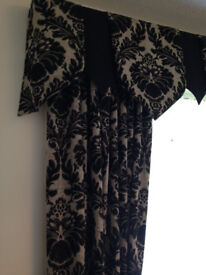 Stunning jacquard 46x90 black /grey plus matching box pelmet