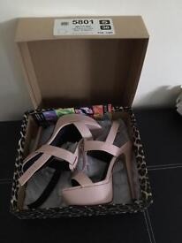River island high heels size 5 pale pink