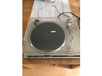 For sale Pioneer PL-200 turntable.