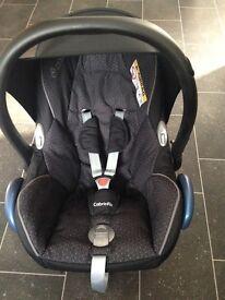 Maxi cosi cabriofix car seat with raincover
