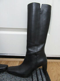Leather boots black. NEW