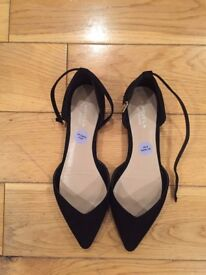 BRAND NEW Kurt Geiger Carvela Flat Shoes with ankle strap