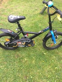 Small boys bike excellent condition