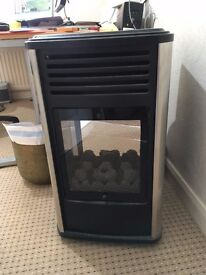 Manhattan 3 kW Portable Gas Fire. Unused, flame effect, full gas cylinder