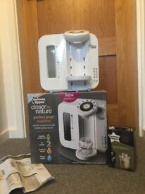 Tommee Tippee Perfect Prep machine + 6 Milk Powder Dispensers