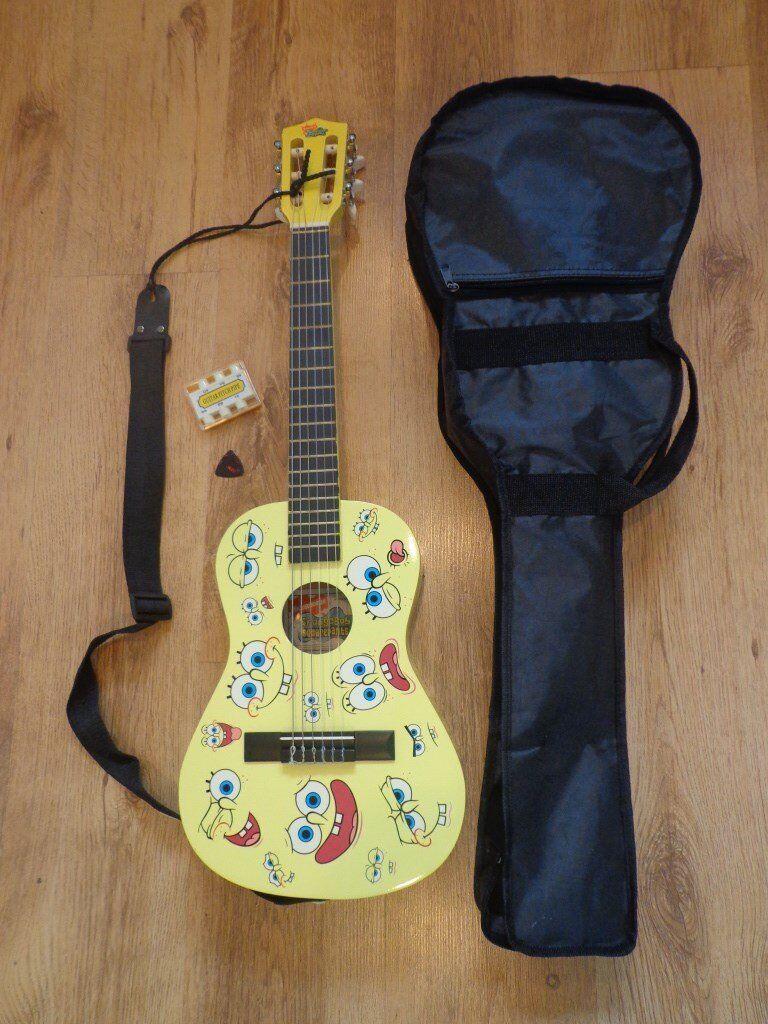Kids SPONGE BOB guitar - with soft case,