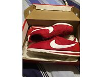 NIKE CORTEZ SIZE 10 RED AND WHITE