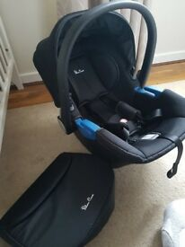 Silver Cross Simplicity Carseat with adapters