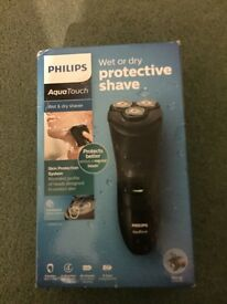 Philips AquaTouch Wet and dry protective shave