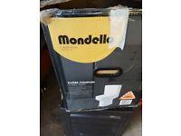 Mondella close couple toilet