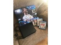 Play Station 4 PS4 + 4 games