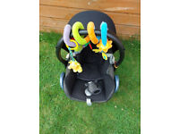 Maxi-Cosi CabrioFix Baby Car Seat, Group 0+, Suitable from Birth, 0-12 Months with FREE Spiral Toy