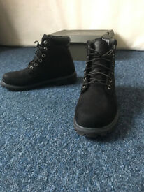 NEW Timberland 6 inch Basic Alburn, Men's Boots Black (size 8.5)
