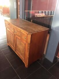 Solid wood Chest of drawers for sale, 138cm x 58cm x 98cm