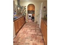 Ladies only house, single room to rent in detached house close to Reading town centre