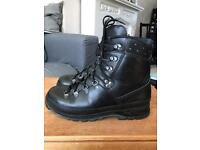 Lowa Black Leather Men's Mountain GTX GORE -TEX BOOTS