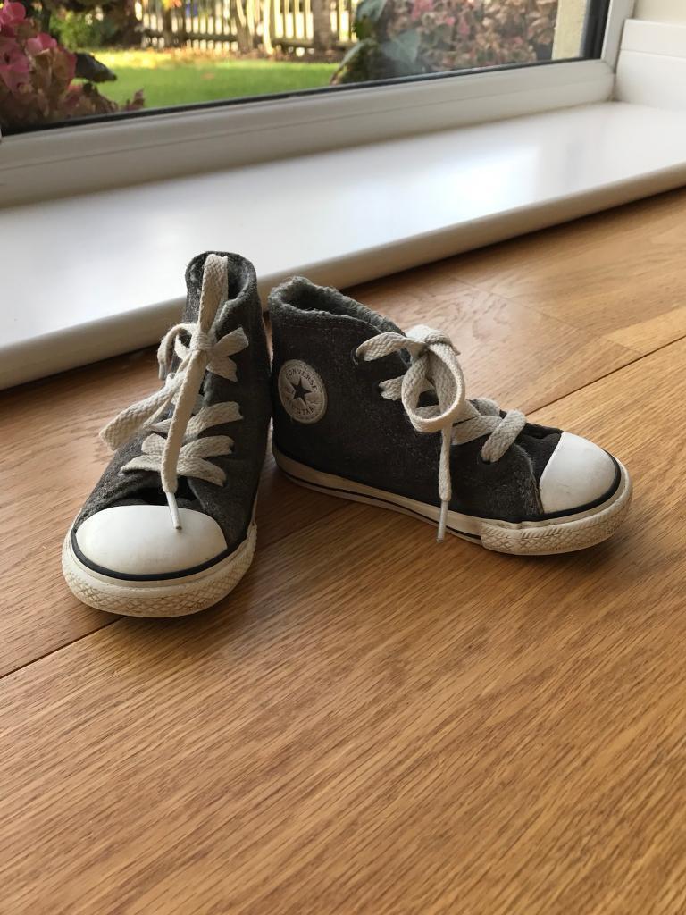 UK size 6 child grey Converse