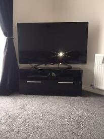 Black gloss tv unit and sideboard
