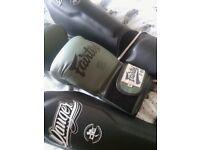 Fairtex 12oz gloves. Danger m/l instep guards