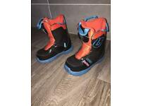 Kids snowboarding boots