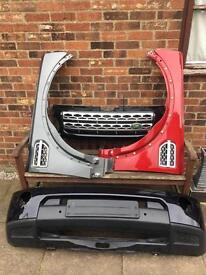 Land Rover Discovery 4 Front End Parts