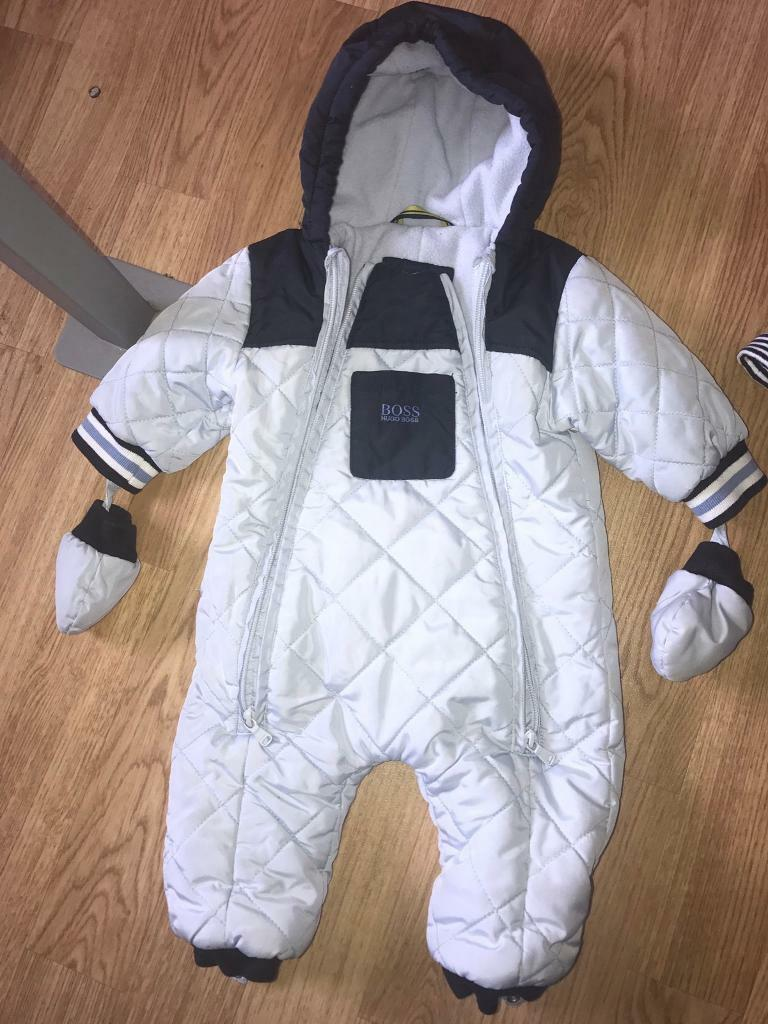 Hugo boss snowsuit age 12 monthsin Barrhead, GlasgowGumtree - Hugo boss snowsuit age 12 months cost £140 in January and has barley been worn in really good condition. Also have velvet Hugo boss hat