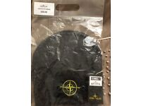 RRP £80 | STONE ISLAND BEANIE (SMOOTH TOUCH BEANIE) UNUSED STILL IN PACKAGING WITH TAG