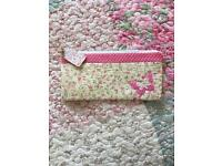 Shabby Chic Cute Floral Pencil/make up cosmetic Case
