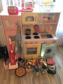 Play kitchen with extras