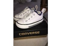 Boys infant converse trainers size 4
