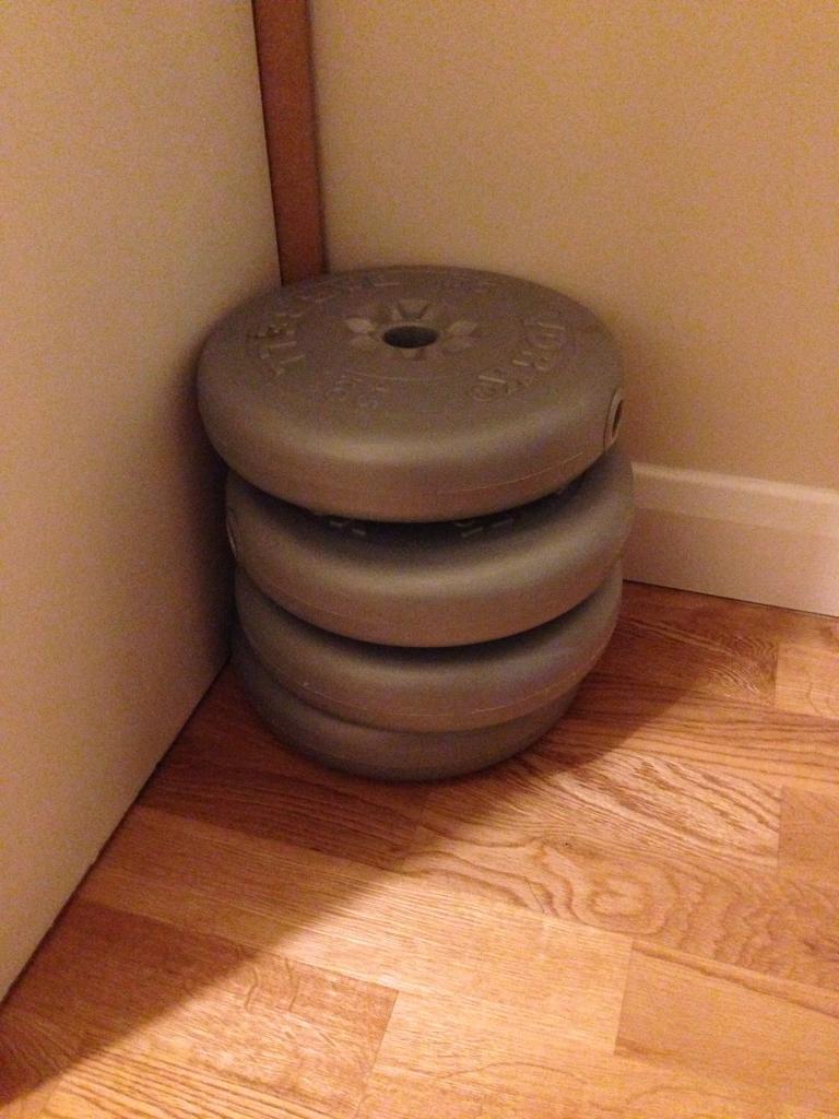 Weights 4.5kg x4