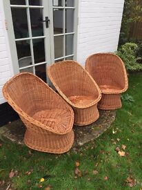 Set of 3 garden wicker chairs