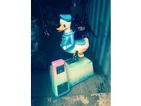 Donald Duck coin ride