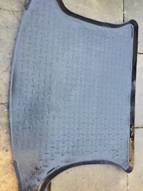 Genuine Toyota Verso boot liner and mats
