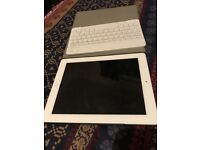 Ipad 3 with Bluetooth Keyboard and case