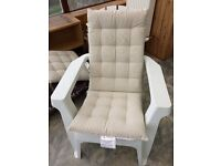 Arondeck deluxe chair white x2 with covers, as per picture (Garden chairs)