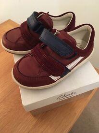 Boy's Clarks shoes size INFANT 5 1/2 F
