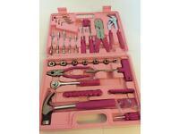 29- peace pink tool set