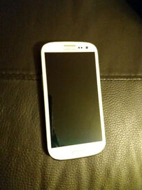 Samsung S3 I9300 white mobile phone in good condition