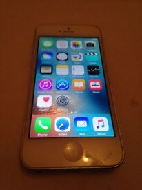 Apple iPhone 5 in white