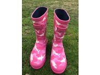 Joules Girls Wellies in Pink Camo Design
