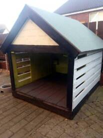 Doghouse for medium to large dogs