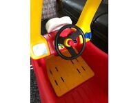 Little Tikes Cozy Coupe - indoor/outdoor kids car - very good condition, used indoor only
