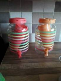 drinks dispenser with cups