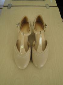 Hotter - size 5 - Viviene - beige shoes