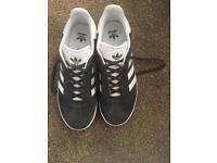 Adidas Gazelle size 5.5