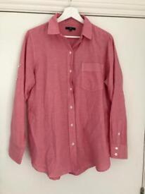 GAP pinky/red shirt